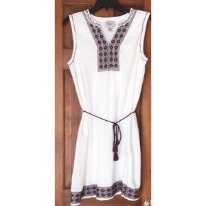 Bass white dress with blue & maroon embroidery